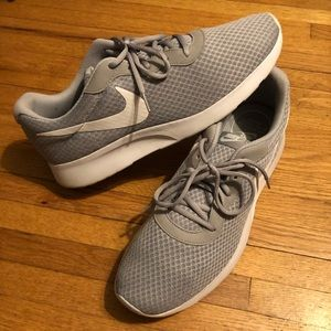 Men's Nike tanjun size 13. Great shape